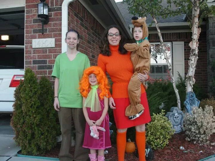 Рух-рох: Melissa Borchardt's family suited up at the Scooby Doo gang, but she says her husband refused to be Fred. No treats for you!