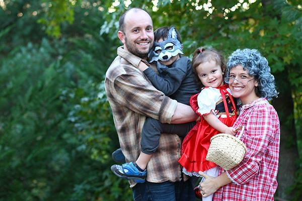Други take on Little Red Riding Hood! Jessica Turner got the whole family involved.