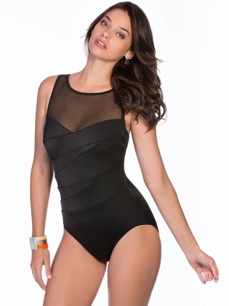 Bäst black swimsuits