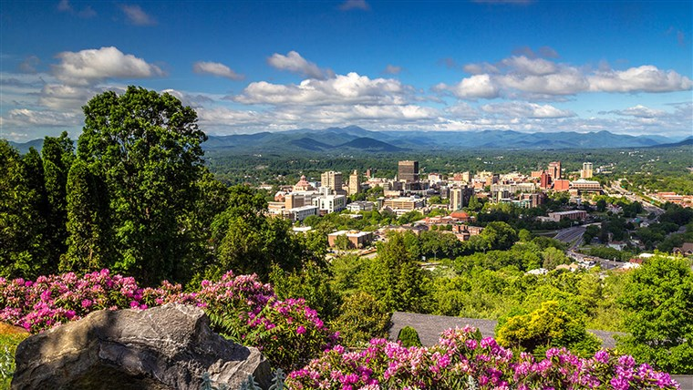 Ashevilis North Carolina, tops the 10 best places to visit in the US list