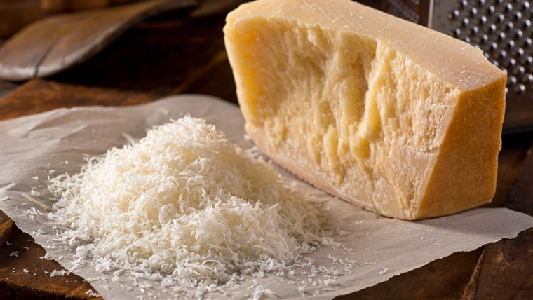 како to make sure you're getting real Parmesan cheese