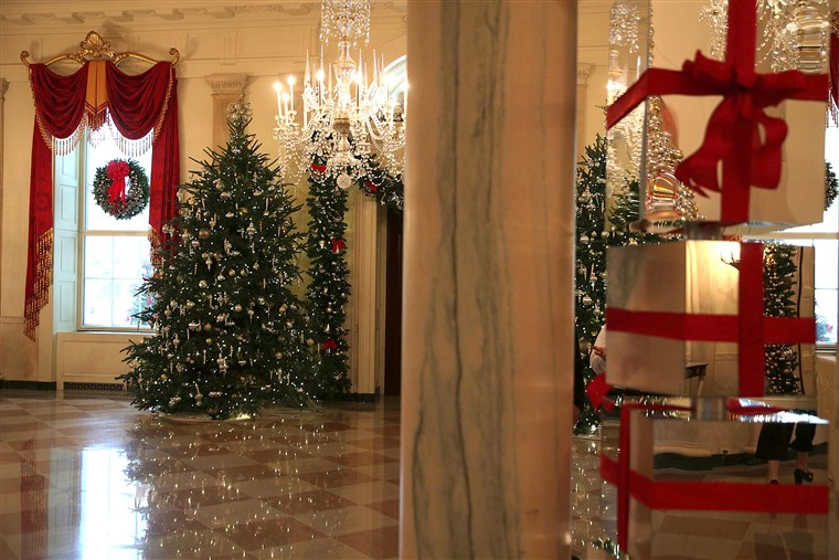 De White House Is Decorated For The 2016 Holiday Season