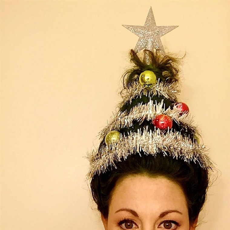 Божић tree hair was a big holiday trend in 2016.