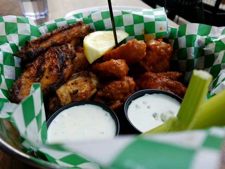 Jake Melnick's Corner Tap Chicken Wings