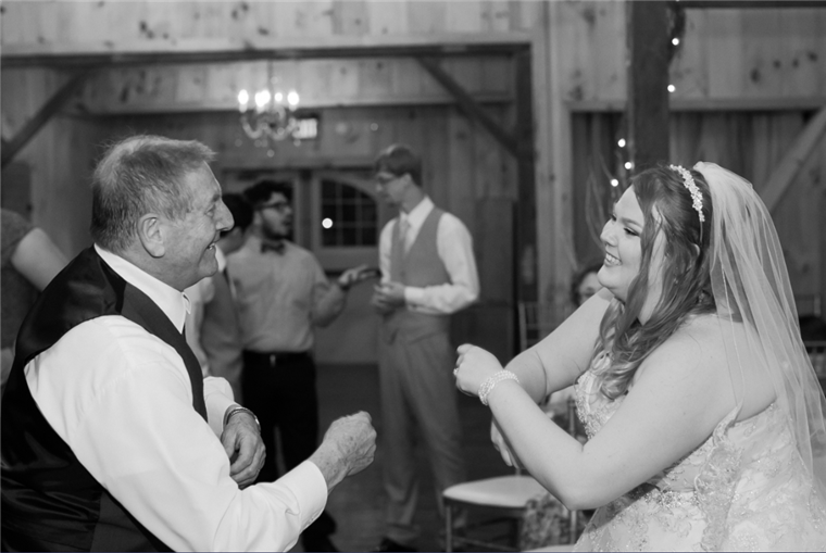 Маггие Wakefield danced with her grandfather at her wedding