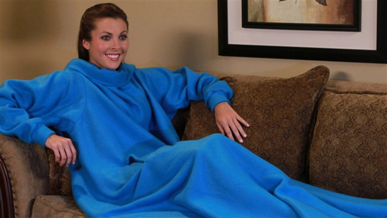 Bild of a Snuggie. The FTC is sending refund checks to people who bought the product through Allstar Marketing Group