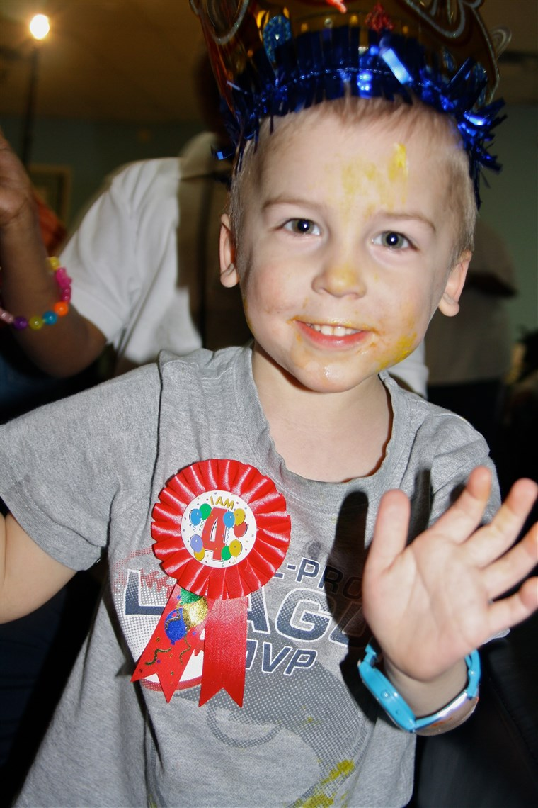Torianė celebrating his birthday with the Birthday Party Project.